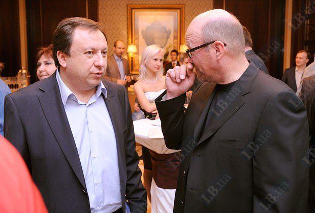 Директор телеканала ТВі Николай Княжицкий (слева) и народный депутат Роман Зварич