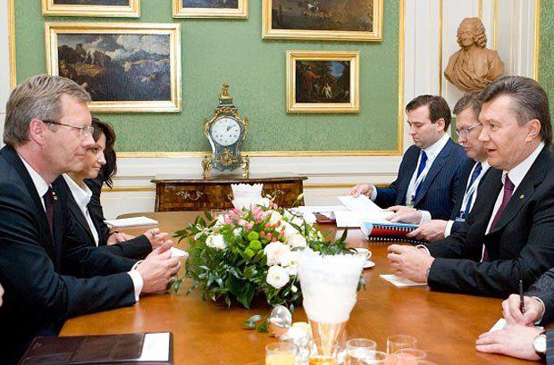 Кристиан Вульф(слева)