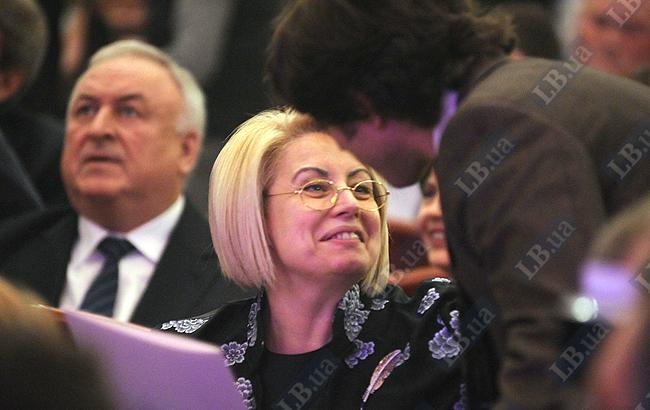Анна Николаевна произнесла поздравительную речь от Президента и быстренько ретировалась