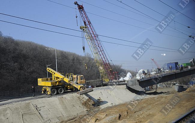 Строительство Дарницкого путепровода