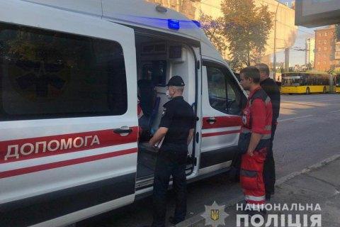 В Киеве на Подоле человек смертельно ранил ножом парня, который сделал ему замечание