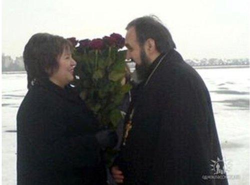 Наталья Витренко и священник Дмитрий Сидор