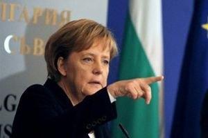 Меркель: Росія відбирає Крим в України