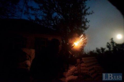 За минувшие сутки боевики 30 раз обстреливали позиции украинских военных на Донбассе