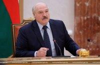 """Лукашенко зібрався відкрити на кордоні пункти вакцинації """"Спутніком"""" для громадян України"""