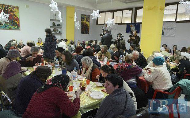 Різдвяний обід організований общиною Святого Егідія у Києві, 2014