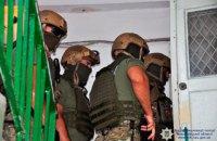 В Николаеве КОРД штурмовал квартиру вооруженных грабителей