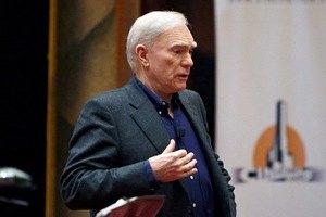 Роберт Маккі: Великі люди сильні історіями