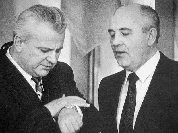 Председатель Верховного Совета УССР Леонид Кравчук и президент СССР Михаил Горбачев во время встречи в Кремле,1991 год.