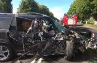 Внедорожник врезался в автобус Нацгвардии в Луцке