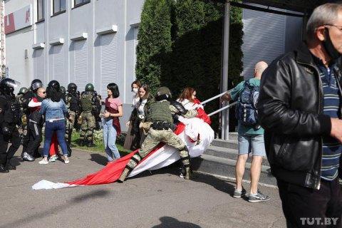 МВС Білорусі повідомило, що вчора затримали майже 800 протестувальників