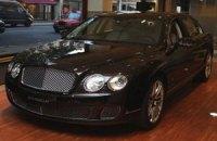 Bentley выпустила эксклюзивную серию седанов Continental с винирами из розового дерева только для Китая
