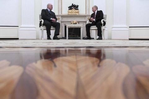 Повороту на Захід не буде. Лукашенко залишається один на один з Путіним