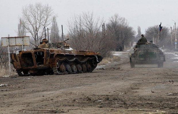 Боевики в Углегорске, рядом с Дебальцево