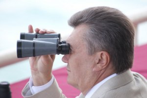 Янукович возглавил топ-10 владельцев лучших пляжей Крыма