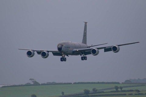 Во Львов прибыли 5 американских самолетов для заправки стратегических бомбардировщиков