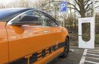 Рада скасувала ПДВ та акциз на електрокари до кінця 2022 року
