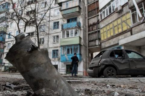 """""""Злочин путінського режиму не має терміну давності"""" – Порошенко вшанував жертв обстрілів Маріуполя"""