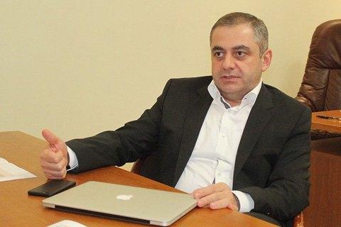 Директор НАБУ побоюється, що його першого заступника можуть позбавити громадянства