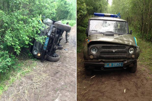 Троє поліцейських отримали поранення під час сутички зі копачами бурштину на Рівненщині
