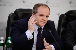 Коваль: Украине будет сложно с честью выйти из предвыборной ситуации