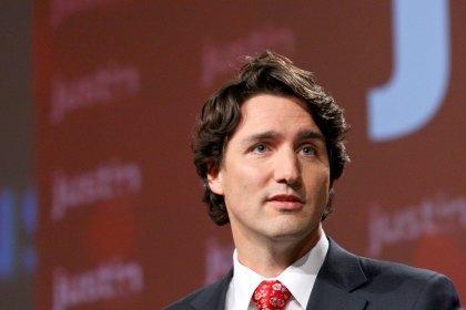 У Канаді прем'єр відвідав знищене пожежею місто