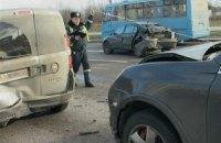 У Києві водій необережним маневром влаштував ДТП з п'ятьох машин