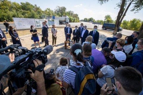Зеленський: до габаритно-вагового контролю на українських дорогах залучать СБУ та Нацполіцію
