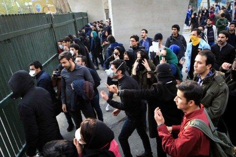 Кількість затриманих протягом протестів в Ірані може сягати 3700