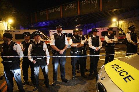 В Лондоне усиливают охрану мечетей после наезда фургона на мусульман