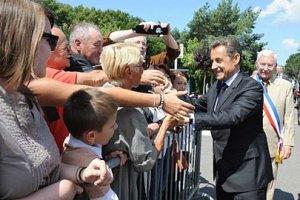Саркози подвергся нападению из толпы