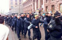 МВС заперечує масовий перехід міліції на бік Майдану