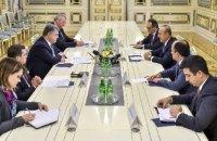 Порошенко встретился с министром иностранных дел Турции