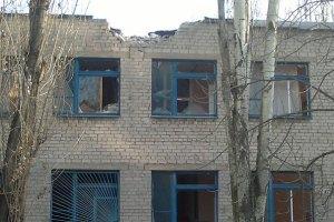 Кабмін визнав переселенців із лінії вогню на Донбасі