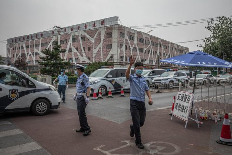 На крупнейшем продовольственном рынке Пекина обнаружили вспышку коронавируса