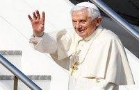 Бенедикт XVI пообещал полное подчинение преемнику