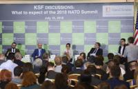 Яценюк предложил предоставить Украине статус партнера НАТО с расширенными возможностями