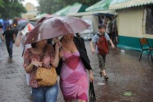 Завтра в Києві знову обіцяють дощі та грози