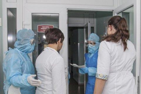 В Олександрівській лікарні Києва виявили шість випадків COVID-19 штаму дельта