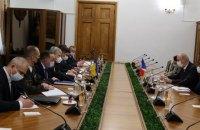 Россия может планировать для Украины повторение грузинского сценария, - министр обороны