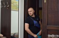 Мэр Николаева закрылся в кабинете от полицейских с протоколом о коррупции (обновлено)
