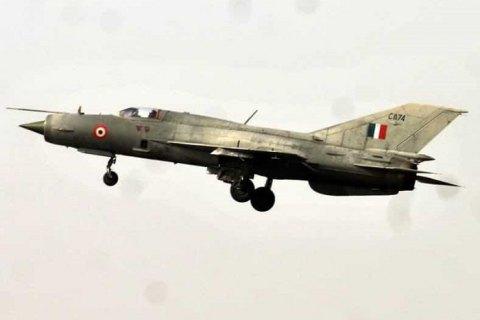 В Индии после столкновения с птицей разбился истребитель МиГ-21