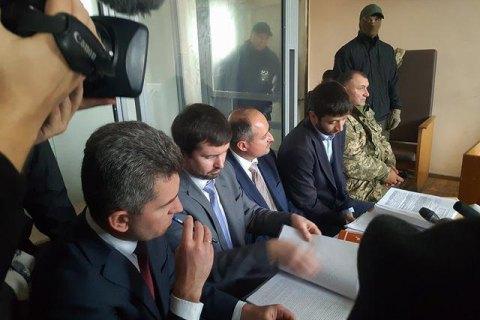 30 військових прийшли на засідання суду у справі заступника міністра оборони