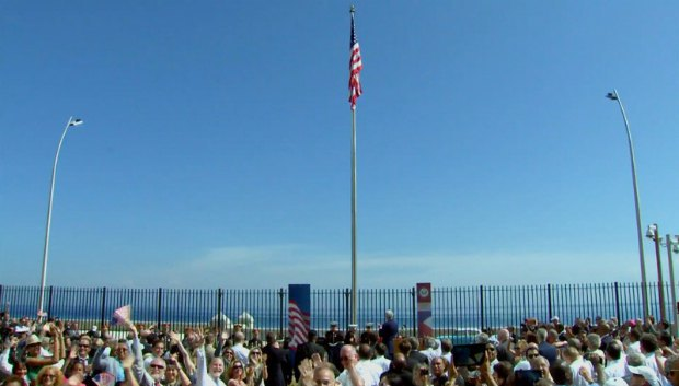 Флаг США поднят в Гаване