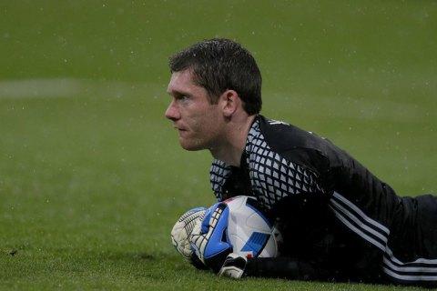 """Экс-вратарь """"Манчестер Юнайтед"""" пропустил курьезный гол головой с 35 метров"""