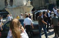 В центре Львова Land Cruiser выехал на пешеходную часть и перевернулся, погибла женщина (обновлено)