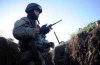 Уночі на Донбасі двоє військових загинули, вісім отримали поранення і травми (оновлено)