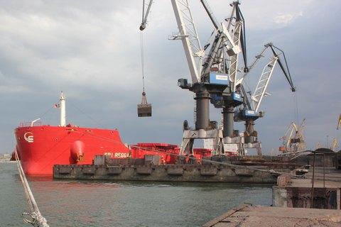 Вгосударстве Украина начали разгрузку 3-го балкера суглем изЮАР