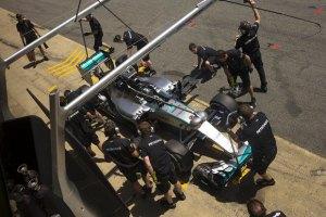 В Формулу 1 вернутся дозаправки