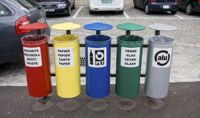 Контейнери для сміття, Швейцарія.